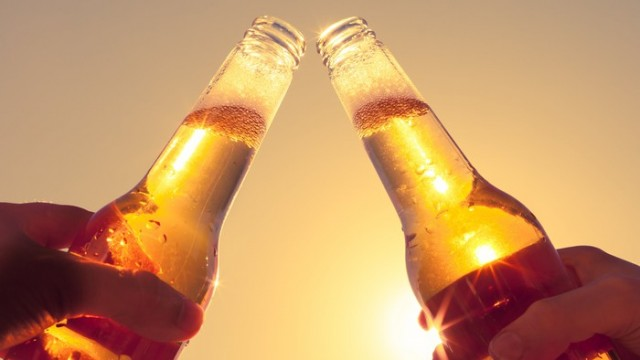 https://www.fool.com/news/2019/11/12/craft-brew-alliance-stock-skyrockets-on-anheuser-b.aspx