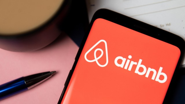 Will Airbnb Stock Benefit As The U.S. Opens Up To International Travel?