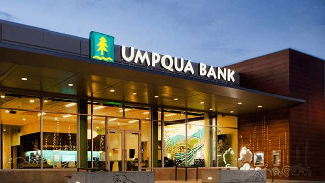 https://seekingalpha.com/article/4297514-umpqua-holdings-drifting-5_3-percent-yield
