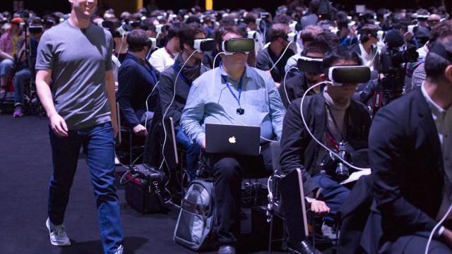 Facebook says its hiring 10,000 people to help build Mark Zuckerberg's 'metaverse'