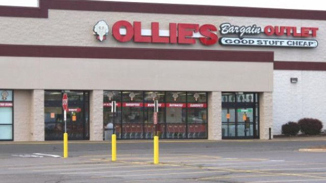 Ollie's Sees Earnings, Same-Store Sales Fall