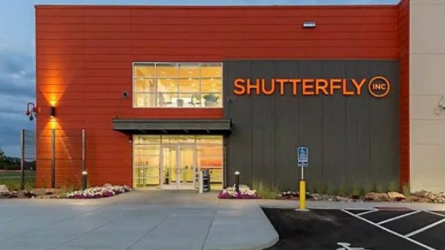 https://www.marketwatch.com/story/shutterfly-names-hilary-schneider-its-new-ceo-2019-11-26