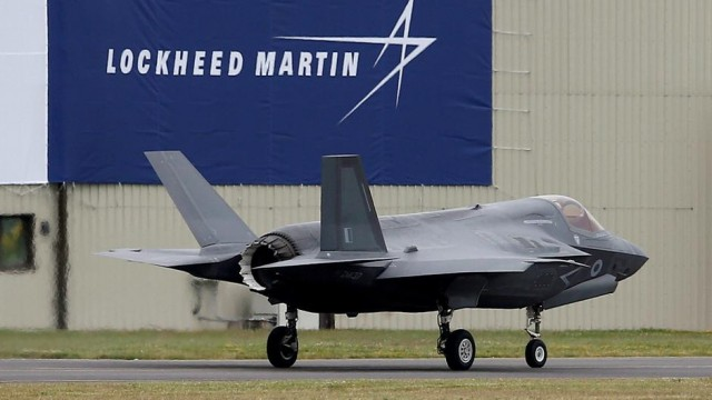 Senator Warren questions Lockheed