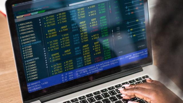 http://www.zacks.com/stock/news/545909/4-country-etfs-that-beat-the-market-in-september