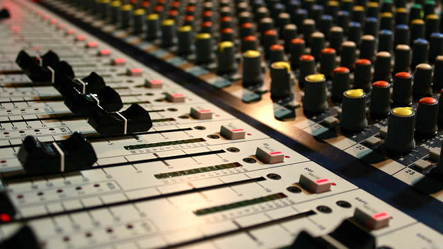 http://www.zacks.com/commentary/375161/near-term-outlook-for-audio-video-production-industry-grim