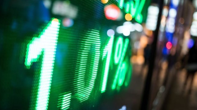 7 Value Stocks To Buy in an Overvalued Market