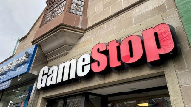 GameStop raises about $1 billion in latest equity offering