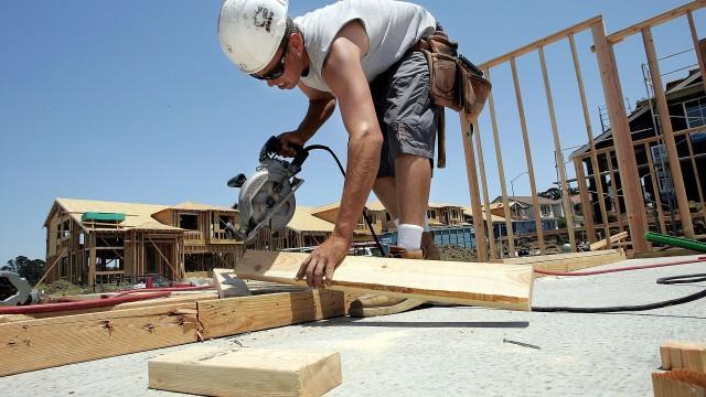 Homebuilder Stocks Hammer Higher Despite Weaker New Home Sales