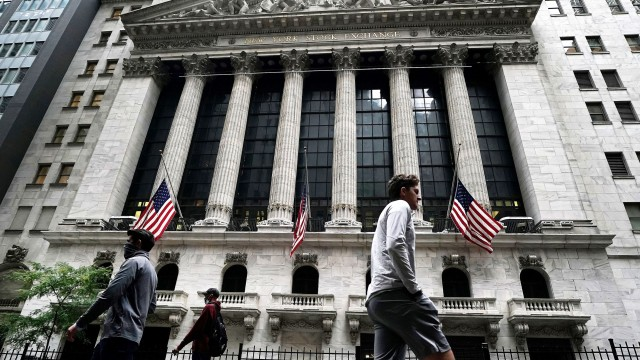 Dow ends 360 points higher as stocks trim weekly decline
