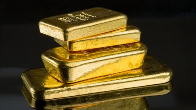 https://www.etftrends.com/alternatives-channel/gold-reaches-fresh-highs-before-dropping-back-on-middle-east-news/
