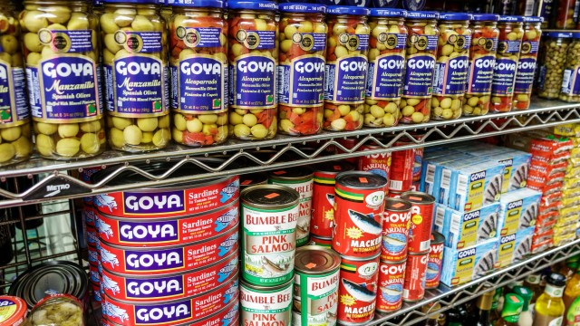 https://nypost.com/2019/10/18/goya-foods-in-talks-to-be-sold-to-carlyle-group-for-3-5-billion-sources/
