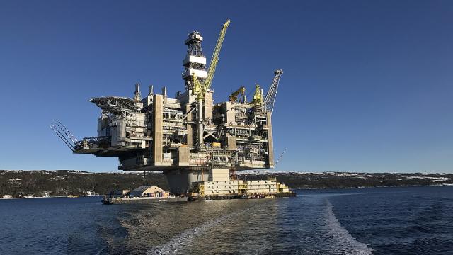 Amplify Energy (AMPY) Reports Q3 Loss, Tops Revenue Estimates