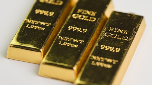 Falling bond yields push spot gold prices back to 200-day moving average