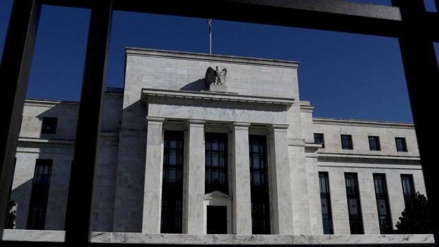 Fed resignations don't blunt calls for broader ethics changes