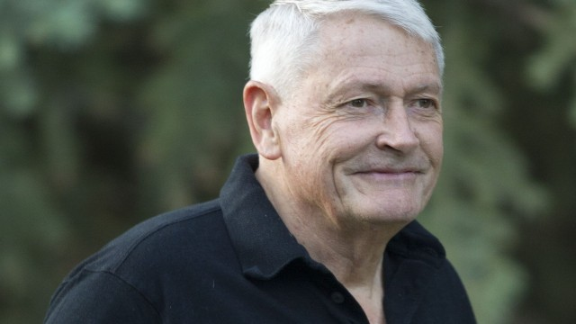 https://deadline.com/2019/11/discovery-shares-rise-after-john-malone-boosts-stake-via-75m-stock-purchase-1202788839/