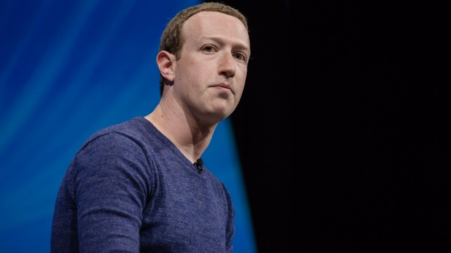 Facebook and Signal are fighting over an ad campaign. Here's why