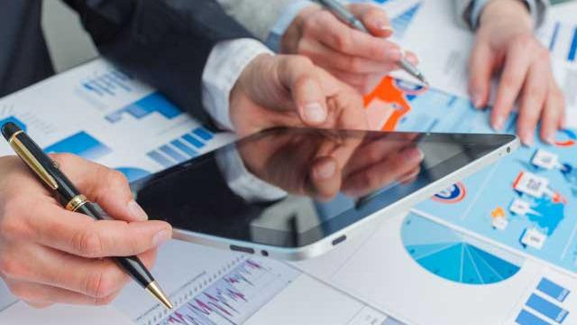 http://www.zacks.com/stock/news/516604/etfs-to-gain-lose-as-ecb-starts-qe-cuts-rates
