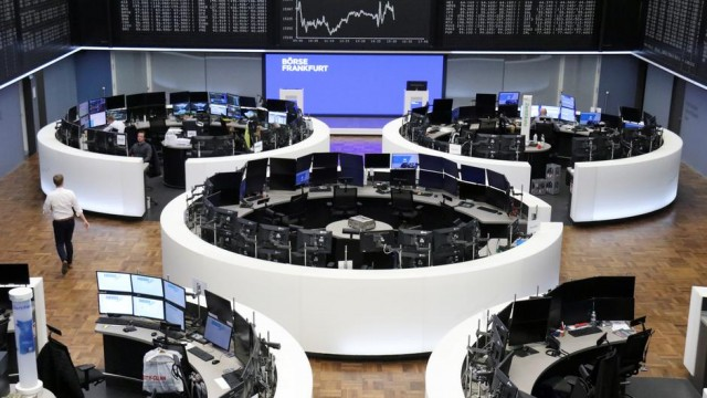 European stocks fall as Kering, ASML's downbeat results weigh