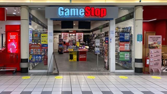 Meme Stocks Drop as New GameStop CEO Takes the Reins