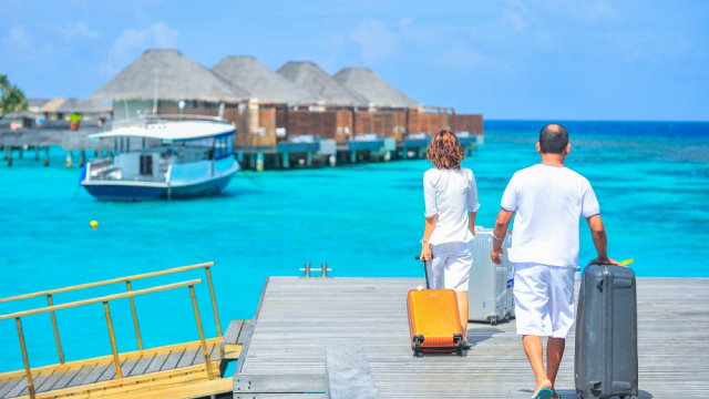 http://www.zacks.com/stock/news/430388/lindblad-expeditions-lind-looks-good-stock-adds-53-in-session