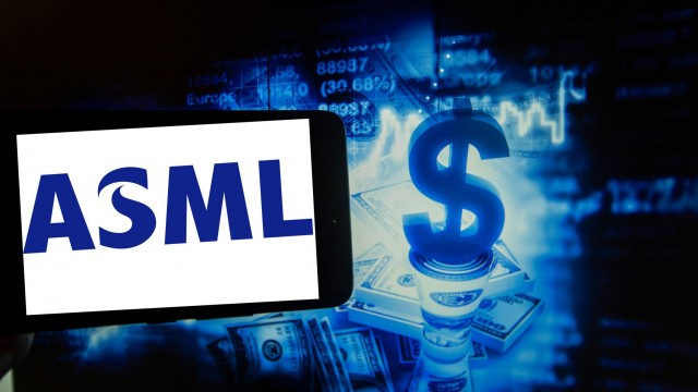 ASML Cuts Guidance in the Face of Supply-Chain Issues. The Chip Stock Is Falling.