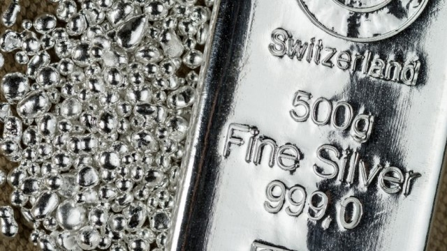 https://www.etftrends.com/leveraged-inverse-channel/silver-prices-are-down-but-a-rally-could-be-brewing/