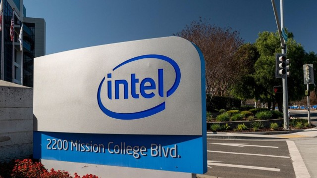 The Ratings Game: Intel stock drops 10% after analyst downgrades over concern about falling margins