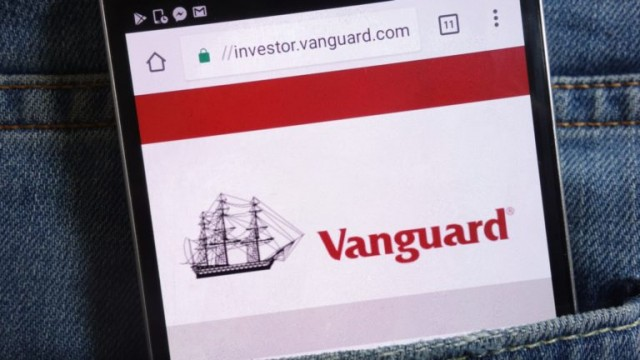 https://investorplace.com/2019/12/5-vanguard-funds-warren-buffett/