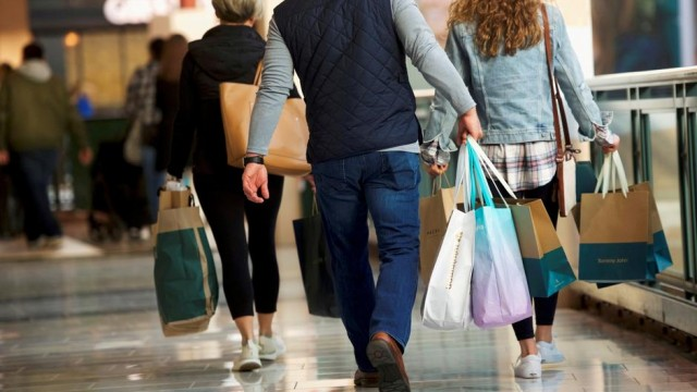 U.S. consumer confidence falls again in September to lowest since February