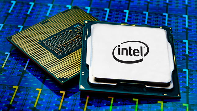 Intel Stock Investors Pulls Their Chips From The Center Of The Table: What's Next?